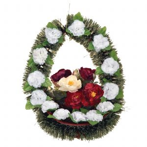 Pine basket with flowers